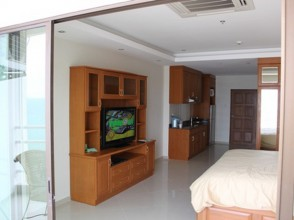 971 Seaview condo rental in Jomtien View Talay 5C beach front by dancewatchers.com Pattaya condo rentals_resize