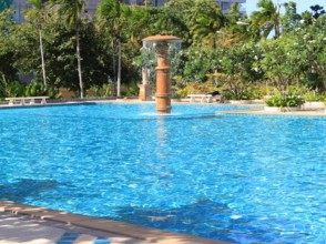 VT5C view talay 5 swimming pool next to the beach by dancewatchers.com pattaya and Jomtien condo rentals_resize